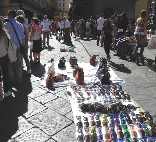 Venditori abusivi Firenze